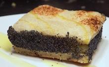 Un toast vegano, fatto con patate e semi di papavero.