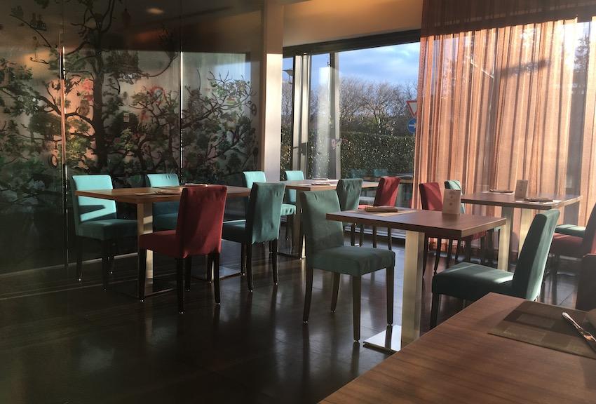 Una delle sale dell'Hotel Crowne a Verona.