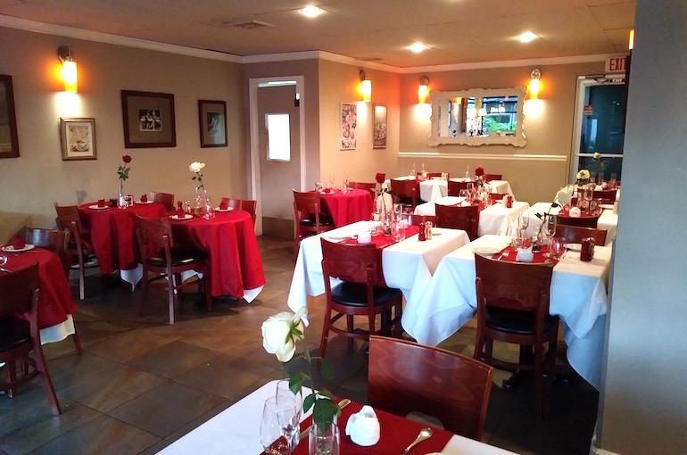 Una parte della sala del ristorante Côté Gourmet, acquistato e riorganizzato a Miami, in Florida.