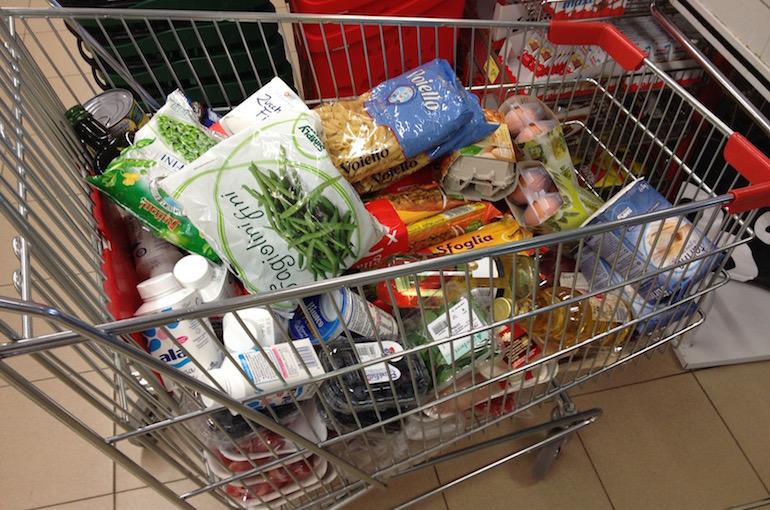 La spesa fatta in un supermercato, durante i miei periodi di lavoro come personal chef.