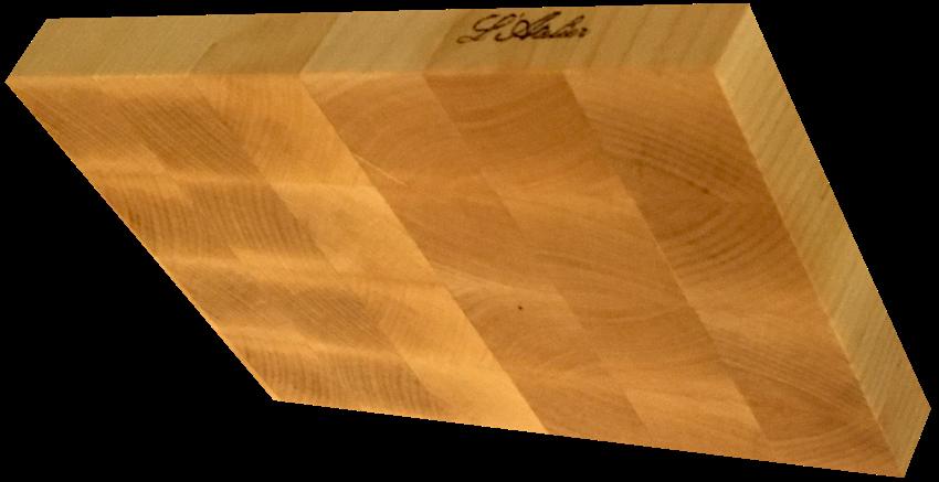 Il tagliere di legno d'acero endgrain in versione regalo, che l'Atelier di Padova regala ad uno dei partecipanti al corso di restaurant management.