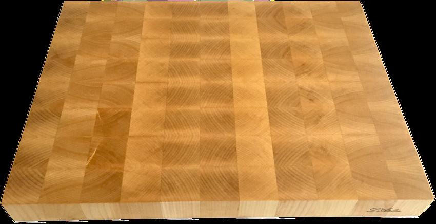 Il tagliere di legno d'acero, lavorato controvena (end-grain), per l'uso di coltelli da cucina di grande qualità.